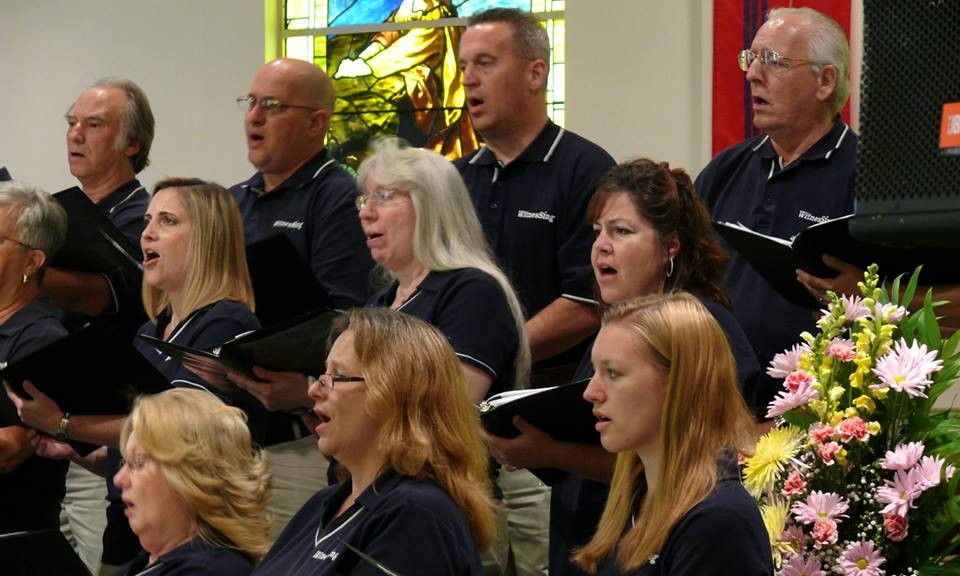 Altos and Tenors sing praises to our Lord